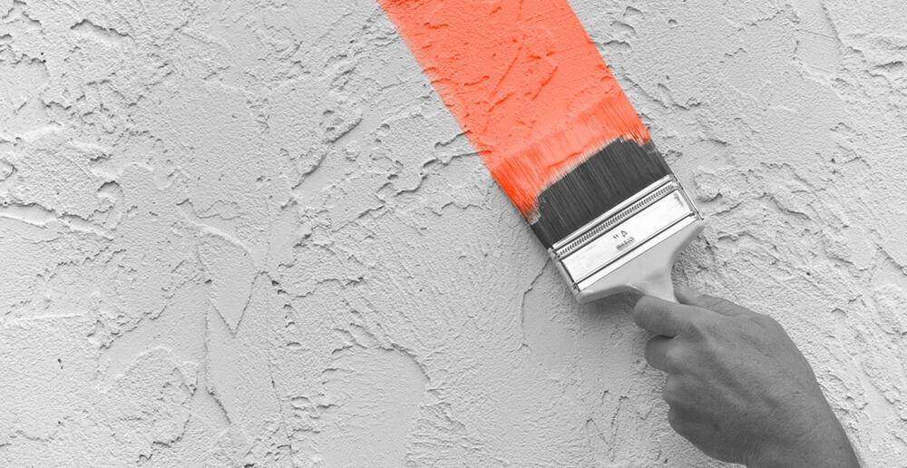 ручная покраска штукатурки короед