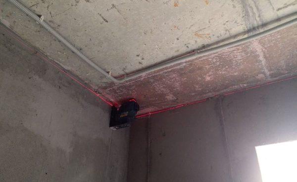 Штукатурка потолка лазерный уровень