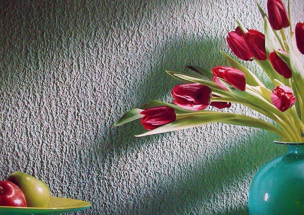 структурная штукатурка и цветы