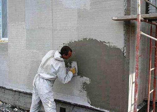 Утепление стен с помощью теплой штукатурки