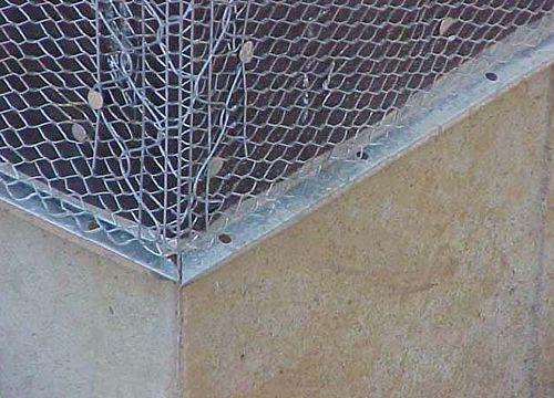 Крепление сетки к фасаду